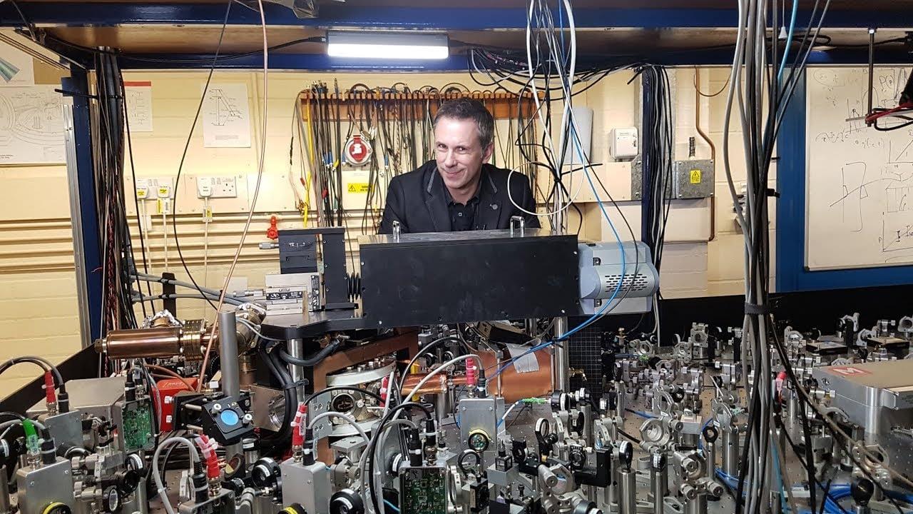 Apa itu Komputasi Kuantum?  – BBC Click